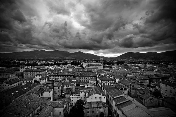 inlucca black and white photography