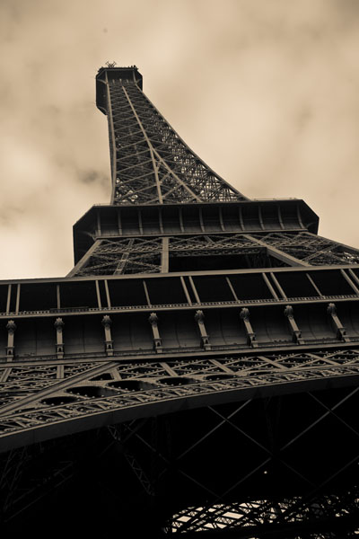 eiffeltower black and white photography