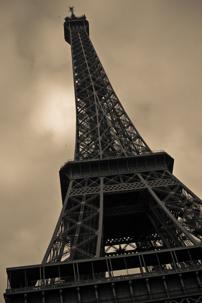 eiffeltower2 black and white photography
