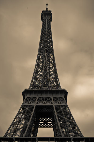 eiffeltower3 black and white photography
