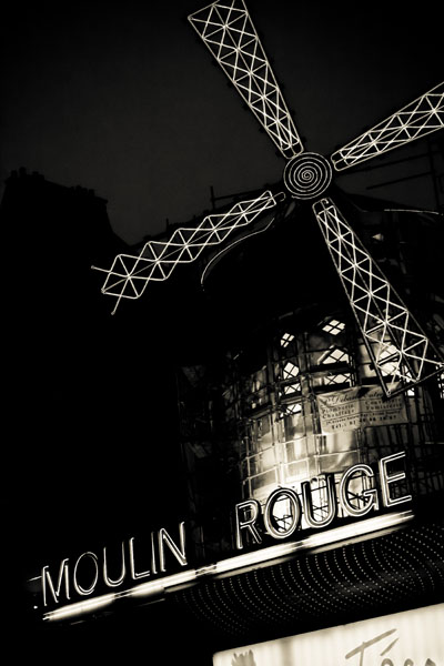 moulinrouge black and white photography