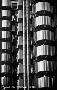 lloyds4 - Black and White